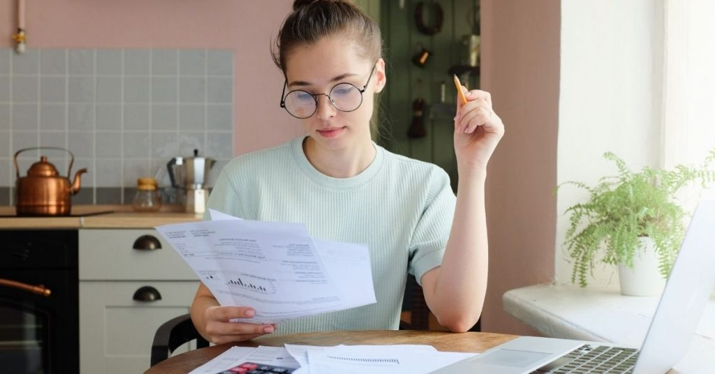 ¿Debes incluir IVA en el menú?
