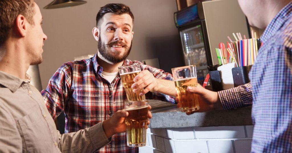 Erstellen Sie einen Geschäftsplan, um mit Ihrer Bar Geld zu verdienen