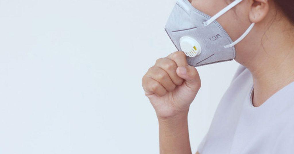 Beneficios de usar cubrebocas o mascarillas desechables para alergias