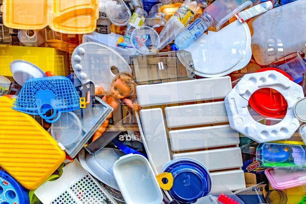 Cómo reutilizar el plástico