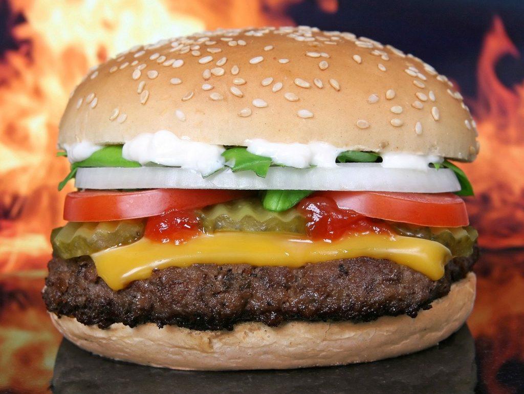 Cómo tener éxito en un negocio de comidas rápidas