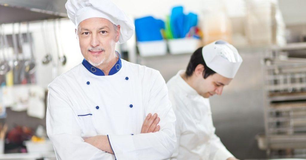 Claves para calcular sueldo de ayudante de cocina