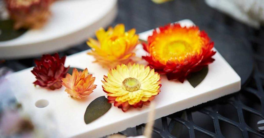 ¿Cómo decorar con flores según celebración?
