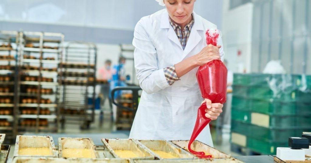 Cómo hacer una manga pastelera con una bolsa de plástico