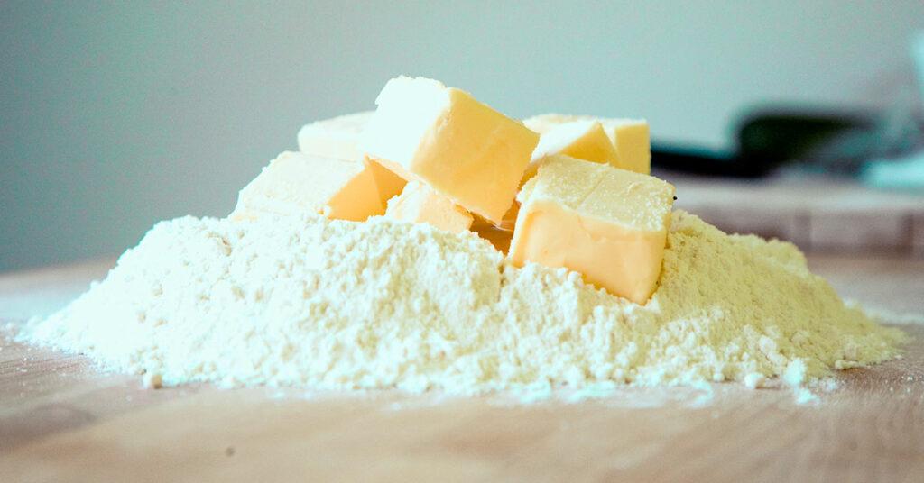 Errores en la repostería por consistencia incorrecta de la mantequilla