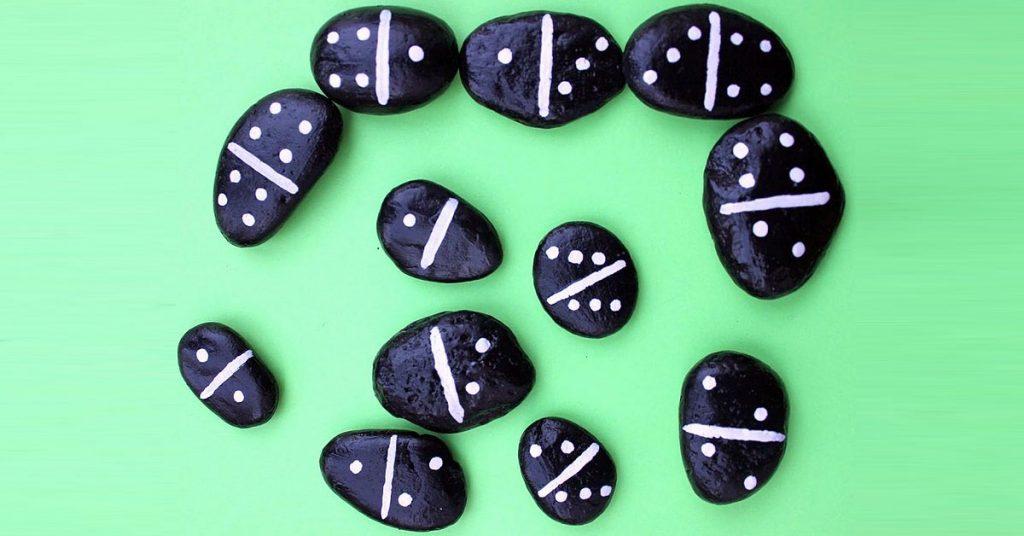 Juegos tradicionales: Dominó de piedras