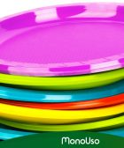 Plastos desechables de colores