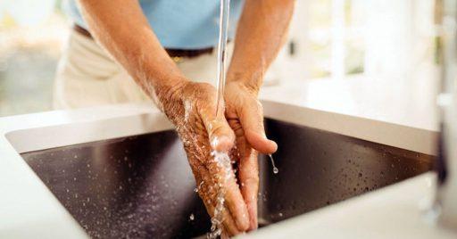 Si no tienes agua y jabón ¿Qué debes hacer?