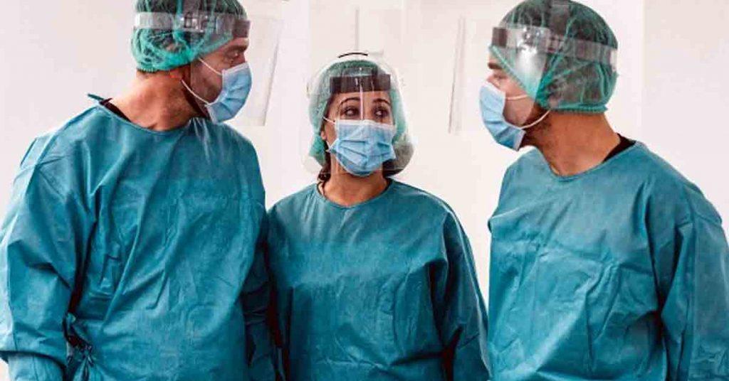 Tipos de batas quirúrgicas desechables