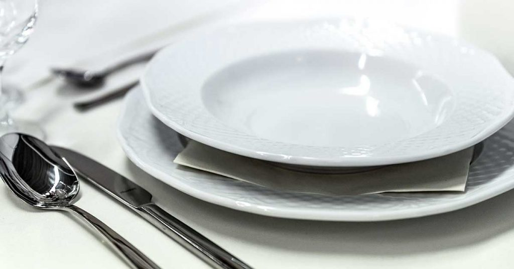 Vajillas ideales para cenar con amigos