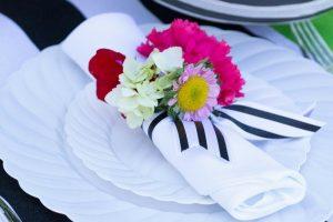Cómo hacer flores de servilletas de papel reciclable
