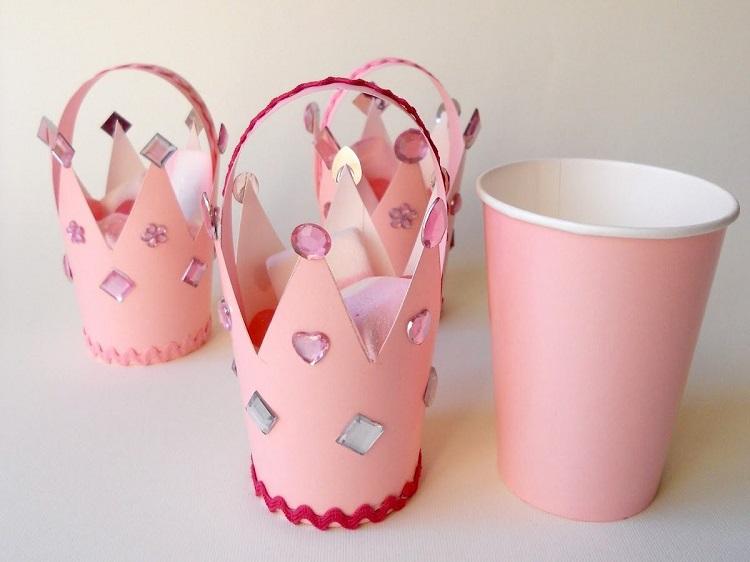 manualidades-hechas-con-vasos-de-papel