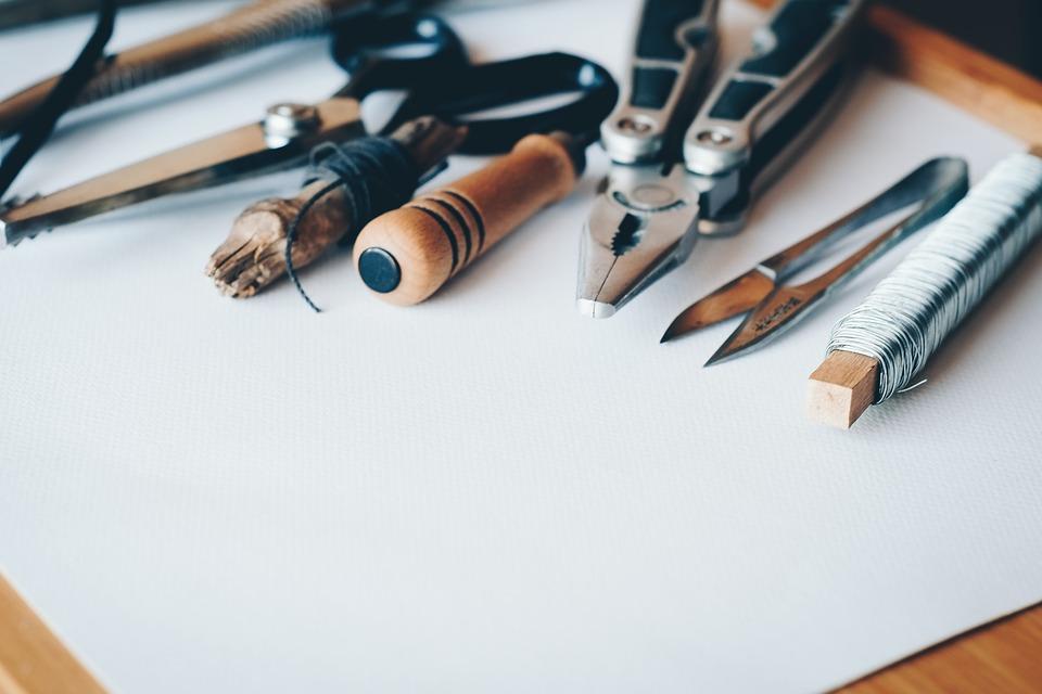manualidades con palitos de brochetas materiales